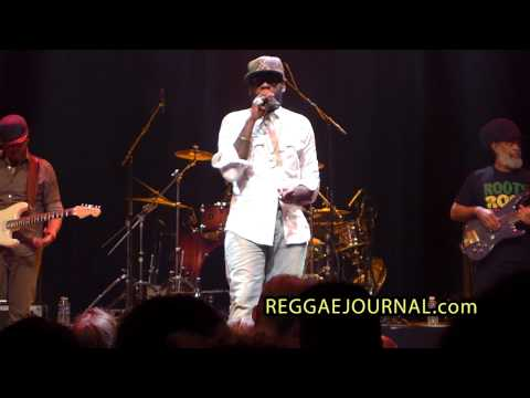 Tarrus Riley - Karma / Let's Do it Again /  Wild Fire 2014-10-14. Paard, Den Haag, NL. Blak Soil