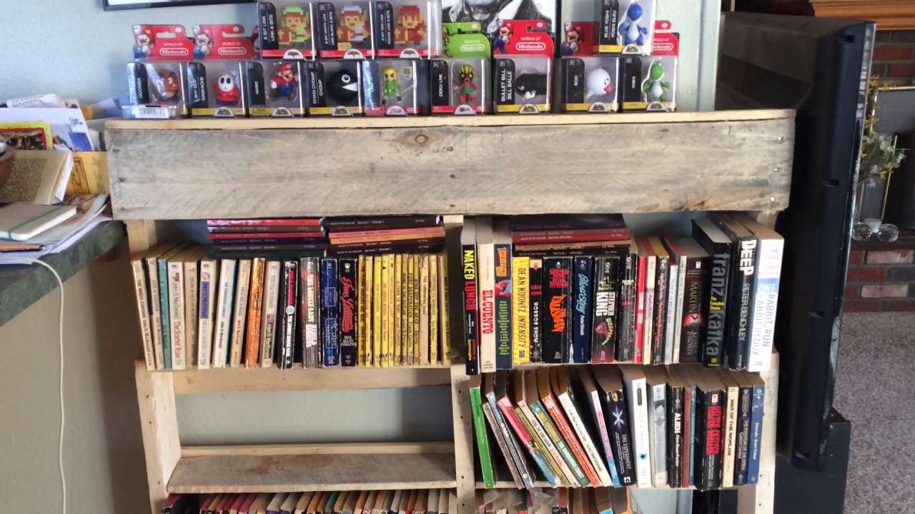 DIY Wooden Pallet Bookcase