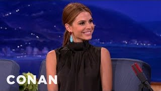 Jack Nicholson Kicked Maria Menounos Out Of A Lakers Game thumbnail