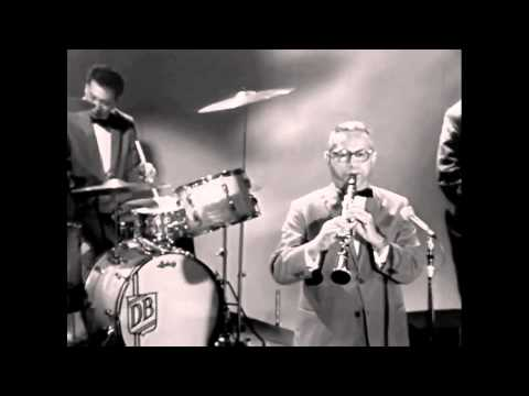 Sweet Georgia Brown - Louis Armstrong