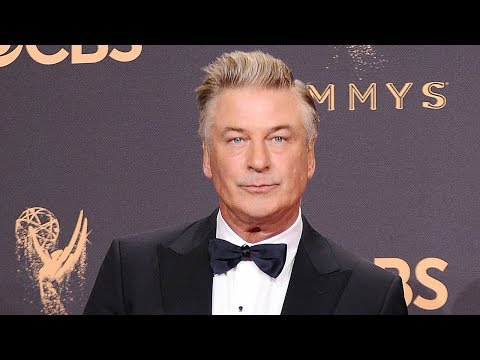Alec Baldwin Wins Emmy Award & Offers It To Donald Trump?!