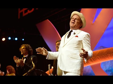 """John C. Reilly sings """"Just a Gigolo"""" in The Closing Ceremony of 2015 Cannes Film Festival"""