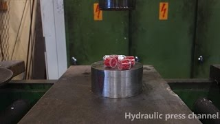 Crushing exploding stuff with hydraulic press