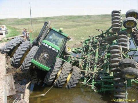 Подборка Трактора погрязли в грязи. Застрявший комбайн Перегруз Неудачник