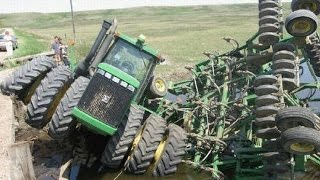 Подборка Трактора погрязли в грязи. Застрявший комбайн Перегруз Неудачник(Подписаться на #offroadchannel https://goo.gl/TXlrQu Selection of a Tractor is mired in mud. Stuck combine Overweight Loser Канал #offroadchannel был ..., 2016-09-04T16:00:01.000Z)