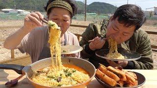 아삭아삭한 총각김치와 [[김치라면(Kimchi ramen)]] 요리&먹방!! - Mukbang eating show