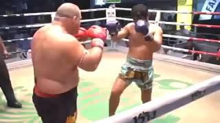 Жестокий нокаут с правого удара.Тайский бокс.Свежее видео драки 2015