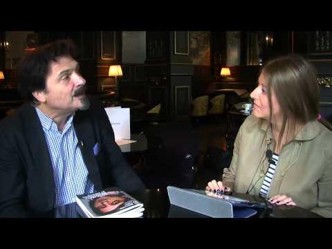 Thierry Raspail évoque la venue de Jeff Koons à la Biennale d'art 2013