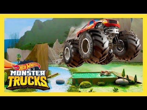 ГРАНДИОЗНЫЙ ЛИПКИЙ ПРЫЖОК MONSTER TRUCK   Monster Trucks: 3 серия   Hot Wheels