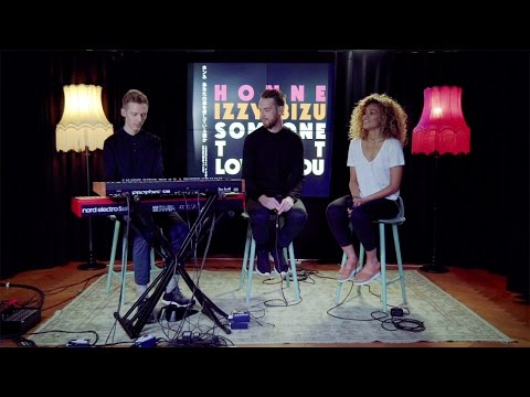 HONNE & Izzy Bizu  Someone That Loves You Late Night Version