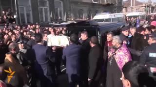 Похороны армянской семьи убитой российским солдатом