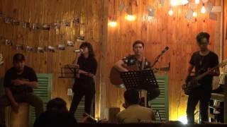 """Chỉ là giấc mơ (Microwave) - Gia Nghi [Đêm nhạc chủ đề """"Phai"""" - Xương Rồng Coffee & Acoustic]"""
