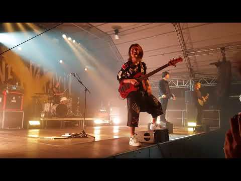 ONE OK ROCK - Bombs Away (Live in Munich, Germany 2017)