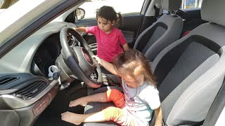 Ayşe Ebrar and Asel in the Car The Wheels on the Bus Nursery Rhymes