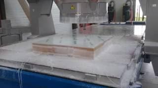 usinage 5 axes plexi 15 mm pour réalisation de meubles
