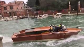 Наводнение в Венеции Бегущие по волнам Нояб 2018