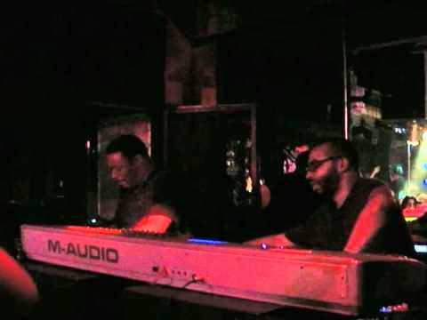 Random Noise Generation LIVE at MOOG - Barcelona 2011-06-16