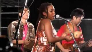Nhemamusasa by Chiwoniso & Mango Sakaki 2009
