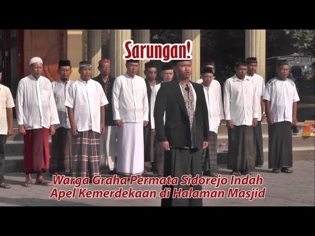 Sarungan! Warga Graha Permata Sidorejo Indah Apel Kemerdekaan di Halaman Masjid
