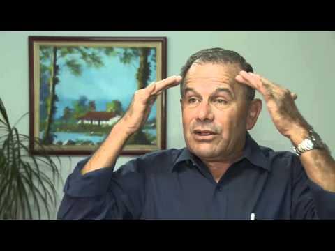 ¿Que Siente Un Esquizofrénico? Escucha una Alucinación auditiva en Este video de YouTube · Duración:  5 minutos 1 segundos