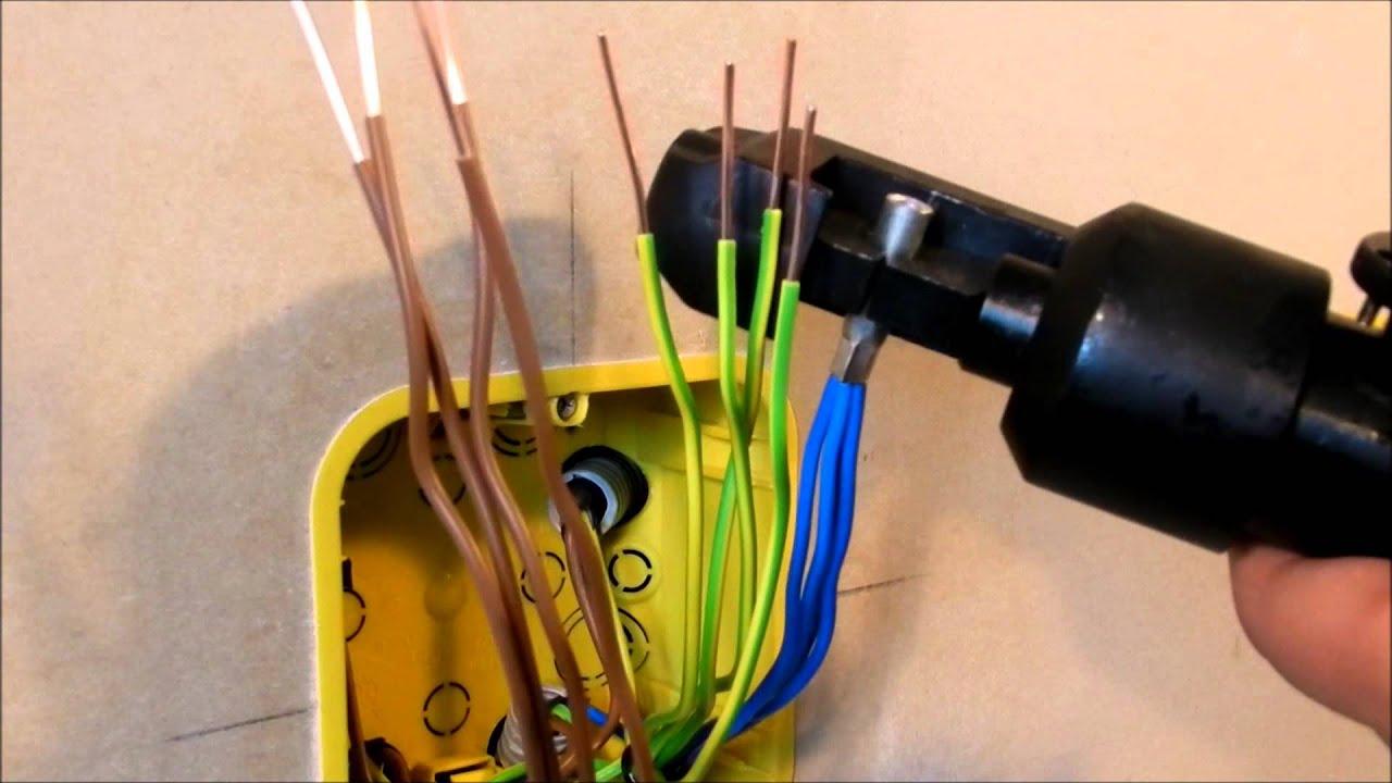 Опрессовка проводов в распределительной коробке. Crimping of wires in the junction box.