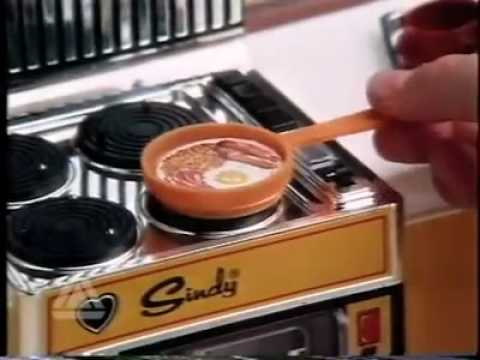 Sindy doll electronic cooker tv advert 1980