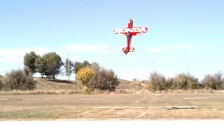 """Miguel """"wuarbirdsrc"""" volando su sukhoi"""
