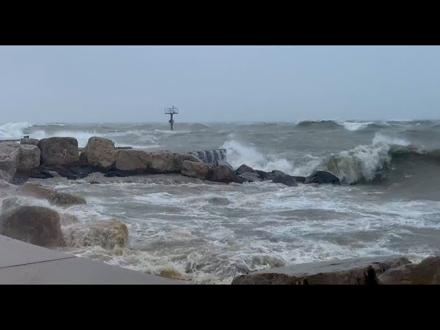 Chicago's Battered Beaches - Great Lakes Now - 1013 - Segment 2