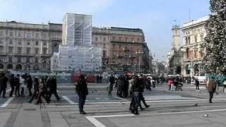 площадь у Миланского Собора