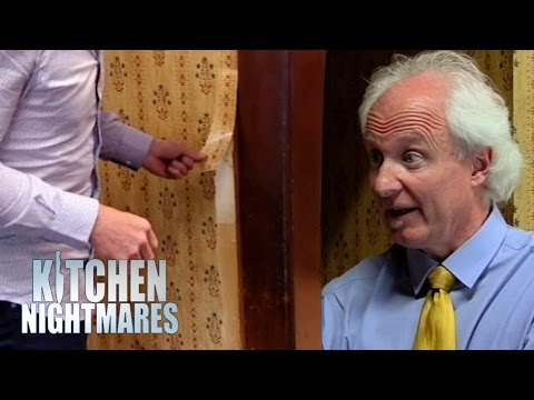 Ramsay Rips Disgusting Wallpaper Off The Wall During Service | Kitchen Nightmares