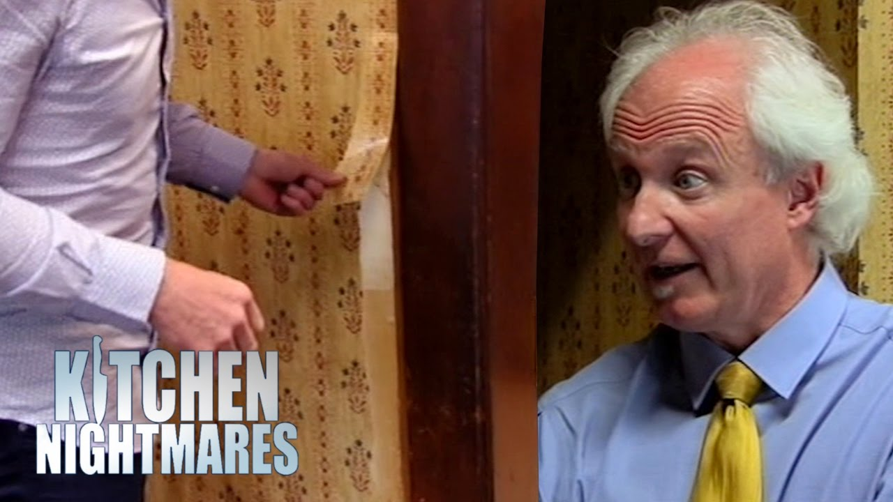 Ramsay Rips Disgusting Wallpaper Off The Wall During Service Kitchen Nightmares