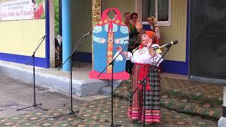 В нашем песенном районе хорошо поют гармони - исполнено от души