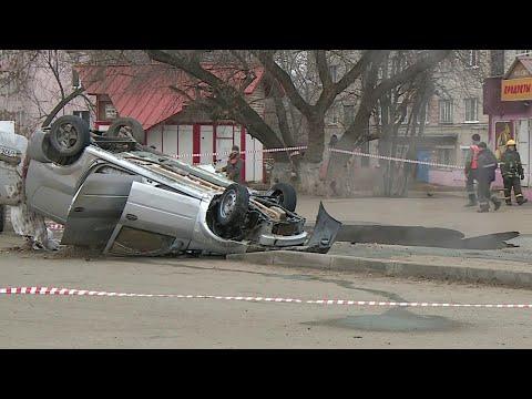 Чрезвычайное происшествие в Пензе: машина с двумя людьми рухнула в яму с кипятком.
