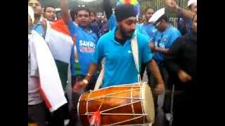 India Cricket fans singing Jitega bhai Jitega at Roae bowl Southampton 6 Sept 2011 Eng V Ind 2nd ODI