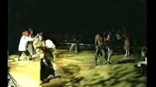 Peregrinasyon, Hawaii 1996 - Chicken Fight