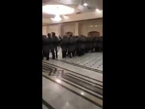 Urgent Algérie - Scéne incroyable, des policiers agressent des magistrats à Oran