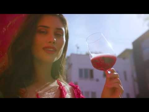 Rosa Regale Forget the Ordinary Campaign