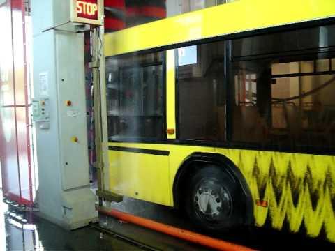 Мойка автобуса под