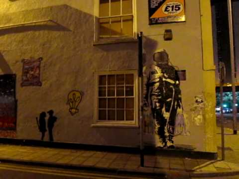 banksy Boy Meets Girl ,Astronaut