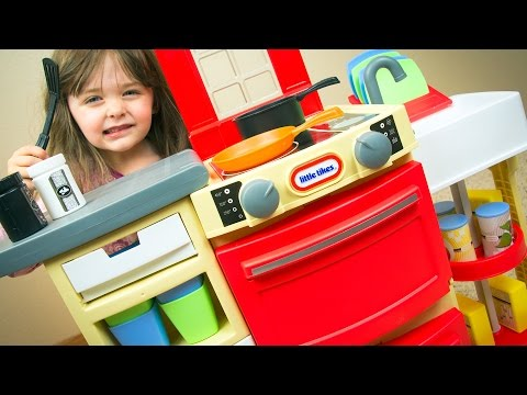 Little Tikes Cook 'n Store Kitchen Toy | Cooking Shopkins | Kinder Playtime