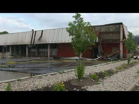 Melvindale grocery store deemed total loss after fire rips through building