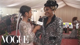 "Tiffany Haddish Pets Liza Koshy and Calls Her Outfit ""Pimperella"" 