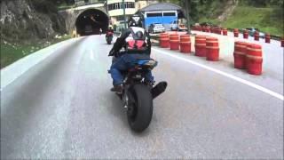Triumph Street Triple R chasing... faster bikes (S1000RR , ZX10R & MT09)