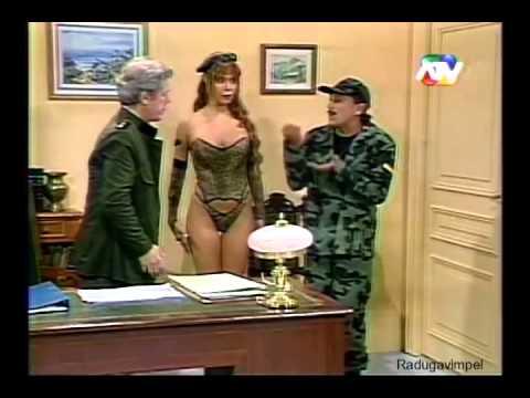 Roberto to to to en tono militar (broma 2015)