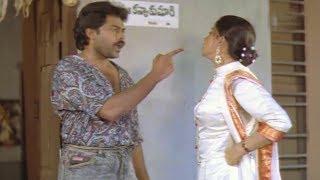 Relation Between Chiranjeevi And Vijayashanti...?
