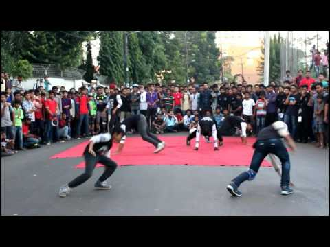 Best Street Dance Ever in Bangladesh by O2 street dance crew for Chittagong Vikings