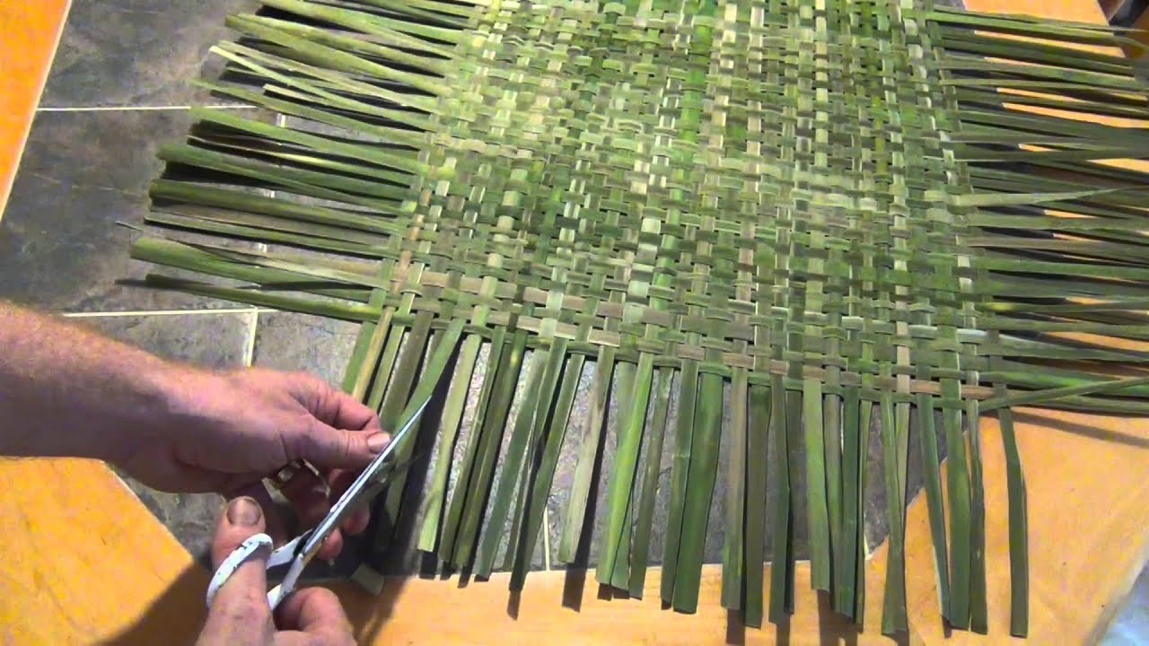 How To Make A Woven Cattail Mat Youtube