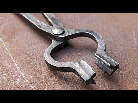Blacksmithing - Forging a pair of bolt tongs