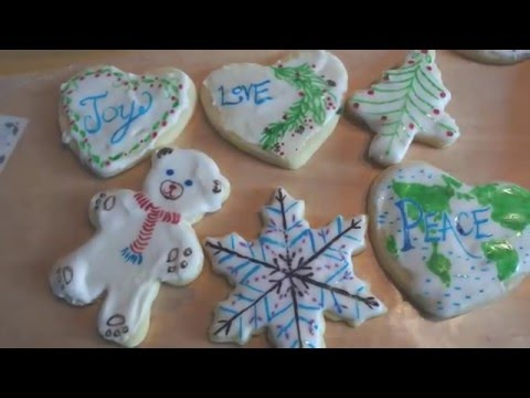 Christmas Traditions: Painting Sugar Cookies