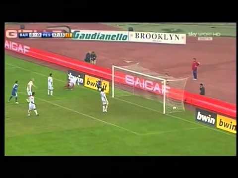 Esultanza di Lorenzo Insigne in Bari-Pescara (0-2)